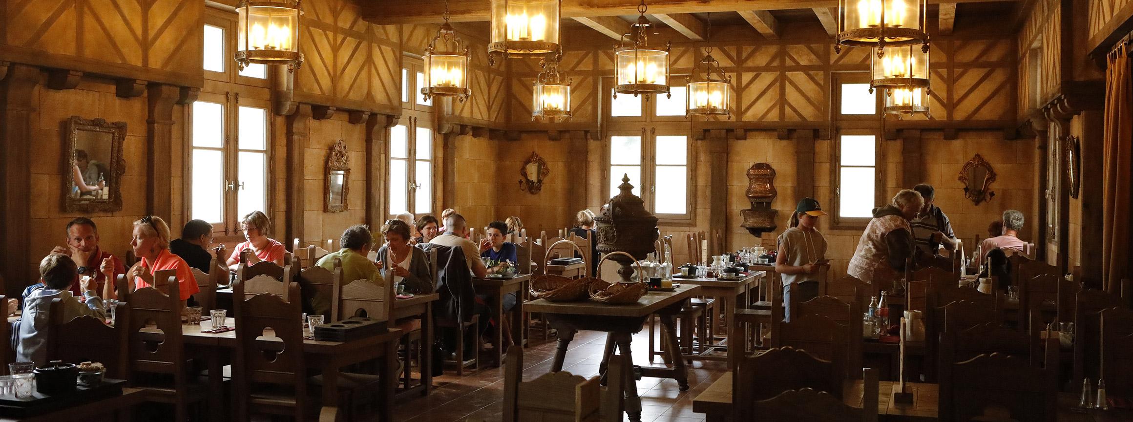 Restaurant La Place Du Relais