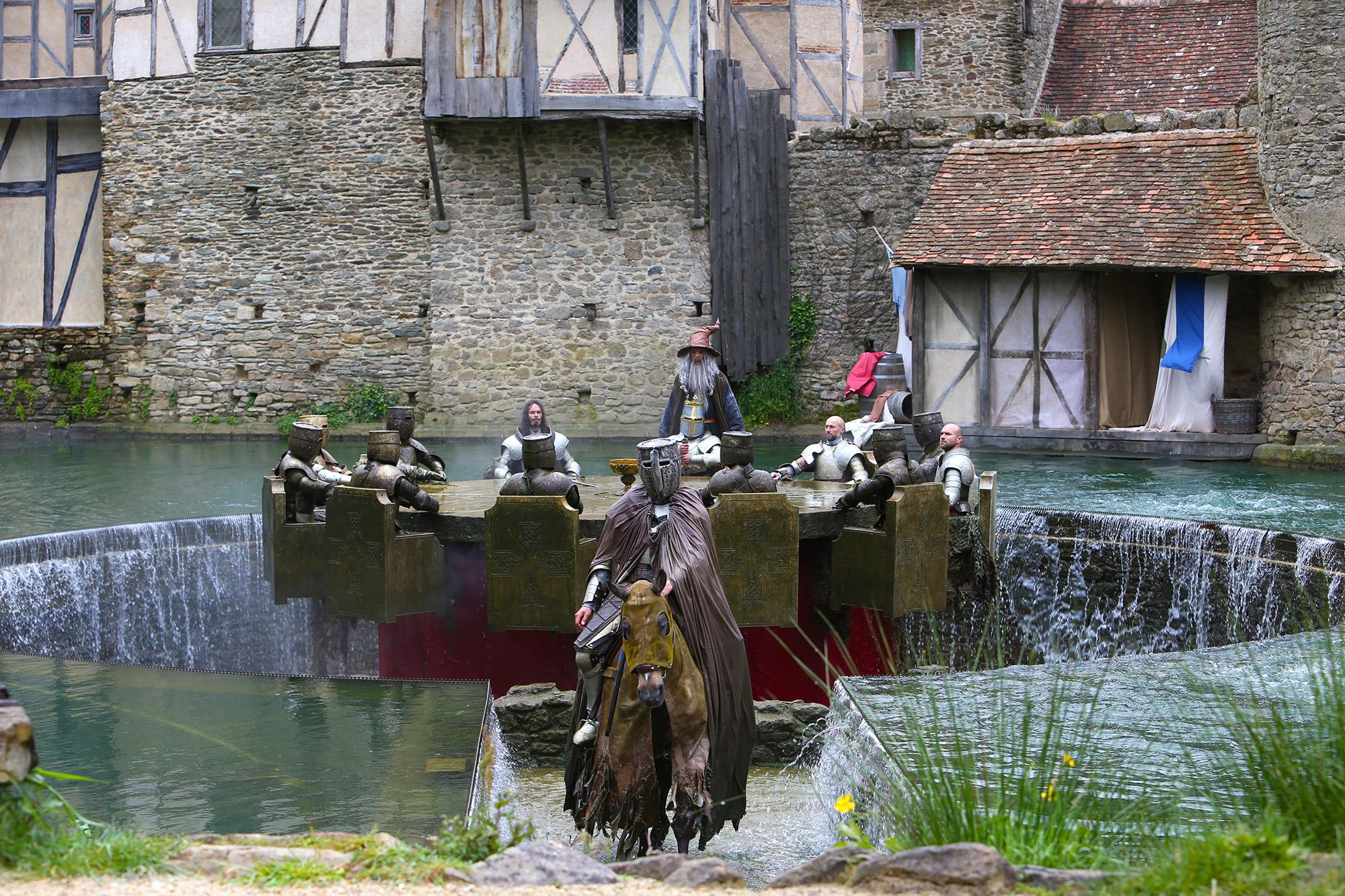 Les chevaliers de la table ronde spectacle puy du fou - Les chevaliers de la table ronde puy du fou ...