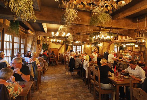 restaurant puy du fou noel 2018 Restaurants Puy du Fou, tous les restaurants du Puy du Fou | Puy  restaurant puy du fou noel 2018